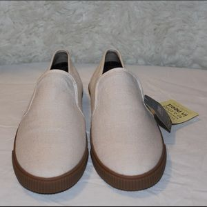 Toms women size 11 new with tags ortholite sole